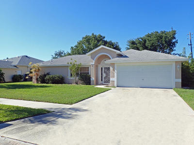 Merritt Island FL Single Family Home For Sale: $318,775