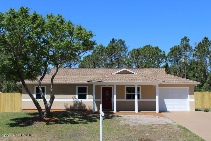 Brilliant 3 Bed 2 Bath Home In Palm Bay For 179 900 Home Interior And Landscaping Dextoversignezvosmurscom