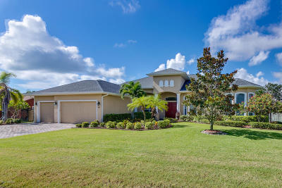Brevard County Single Family Home For Sale: 421 Mosswood Boulevard