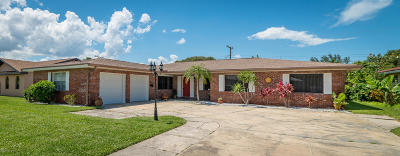 Indialantic, Indialantic, Fl, Indialantic/melbourne, Indialntic, Indian Harb Bch, Indian Harbor Beach, Indian Harbour Beach, Indiatlantic, Melbourne Bch, Melbourne Beach, Satellite Bch, Satellite Beach Single Family Home For Sale: 590 Sherwood Avenue