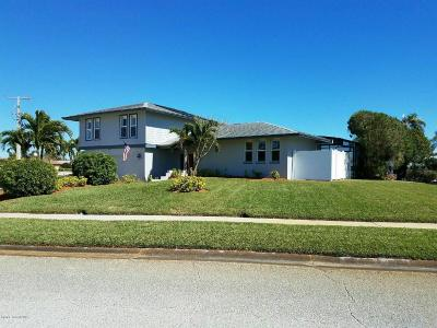 Merritt Island Single Family Home For Sale: 305 Artemis Boulevard