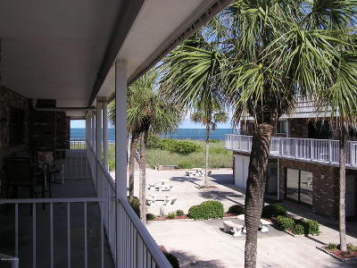 Cocoa Beach Condo For Sale: 5000 Ocean Beach Boulevard #B-7