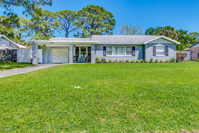 Melbourne Single Family Home For Sale: 819 W Whitmire Drive