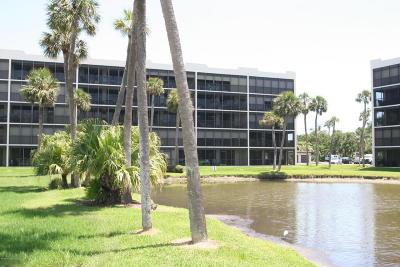 Cape Canaveral Condo For Sale: 5805 N Banana River Boulevard #1111
