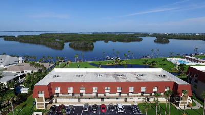 Cocoa Beach Condo For Sale: 800 S Brevard Avenue #211