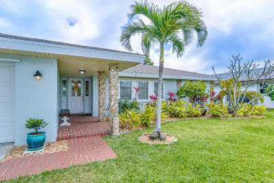Indian Harbour Beach Single Family Home For Sale: 230 Shore Lane