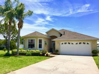 Melbourne Single Family Home Contingent: 800 Suntree Woods Drive