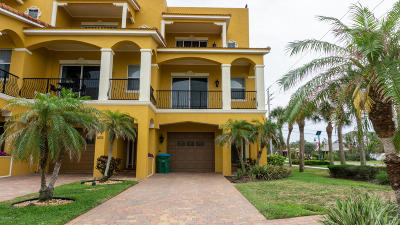 Cape Canaveral Townhouse For Sale: 603 Washington Avenue #1