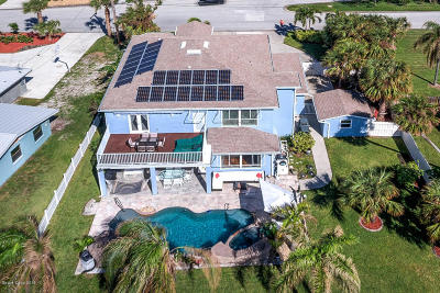 Cocoa Beach Single Family Home For Sale: 136 Bahama Boulevard