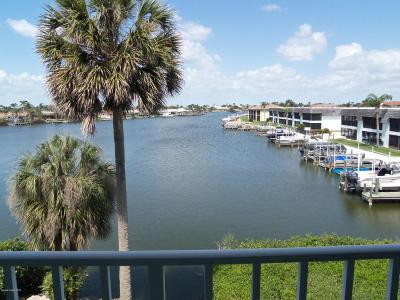 Cocoa Beach Condo For Sale: 1750 Commodore Boulevard #2304