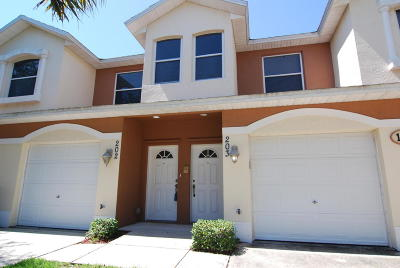 Melbourne FL Condo For Sale: $185,000