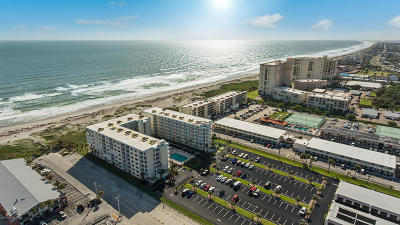 Cocoa Beach Condo For Sale: 1050 N Atlantic Avenue #106