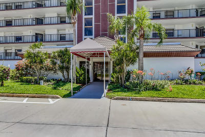 Cocoa Beach Condo For Sale: 3613 S Banana River Boulevard #D 203
