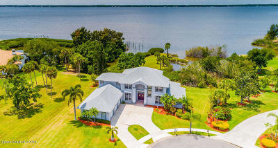 Merritt Island Single Family Home For Sale: 570 Apache Trail