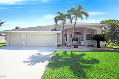Indian Harbour Beach Single Family Home For Sale: 122 Windward Way