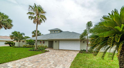 Melbourne Beach FL Single Family Home For Sale: $1,089,000