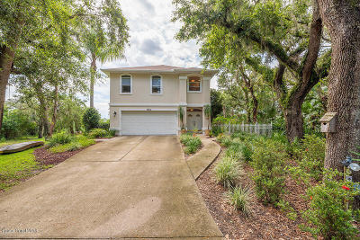 Titusville Single Family Home For Sale: 7509 Egret Drive