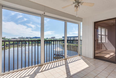 Cocoa Beach Condo For Sale: 3613 S Banana River Boulevard #D404