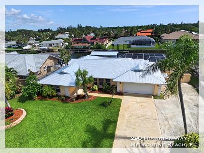 Melbourne Beach FL Single Family Home For Sale: $587,500