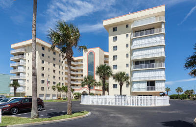 Cocoa Beach Condo For Sale: 3740 Ocean Beach Boulevard #404