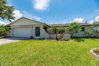 Melbourne Single Family Home For Sale: 570 Tupelo Drive
