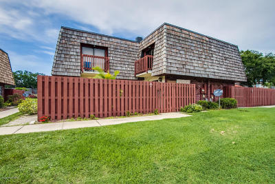 Townhouse Contingent: 62 Piney Branch Way #C