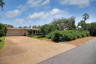 Melbourne Beach FL Single Family Home For Sale: $450,000