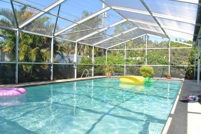 Merritt Island Single Family Home For Sale: 295 Cherry Avenue