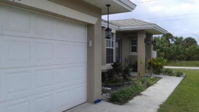 Palm Bay Single Family Home For Sale: 498 Gantry Street SW