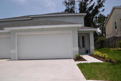Cape Canaveral Townhouse For Sale: 110 Ocean Garden Lane