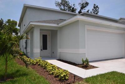 Cape Canaveral Townhouse For Sale: 112 Ocean Garden Lane