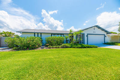 Satellite Beach Single Family Home For Sale: 670 Caiman Street