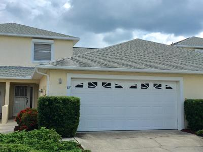 Indian Harbour Beach Townhouse For Sale: 837 Poinsetta Drive