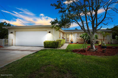 Satellite Beach Single Family Home For Sale: 443 Sandpiper Drive