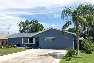 Merritt Island Single Family Home For Sale: 1615 Anchor Lane