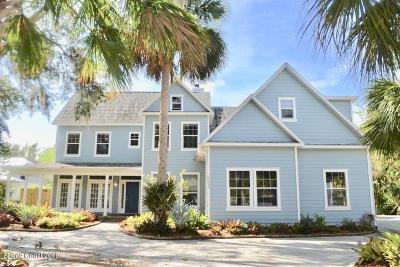 Merritt Island Single Family Home For Sale: 3885 S Tropical Trail S