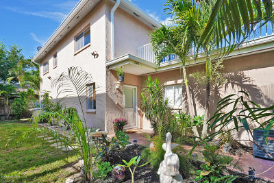 Cocoa Beach Townhouse For Sale: 247 S Brevard Avenue