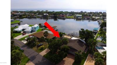 Melbourne Beach FL Single Family Home For Sale: $649,000