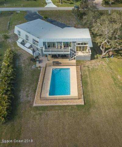 Micco Single Family Home For Sale: 9852 Riverview Drive