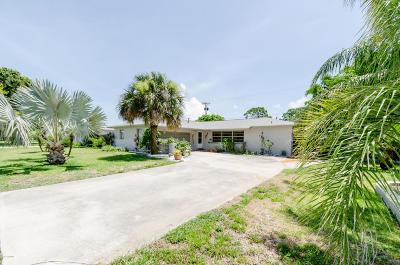 Merritt Island Single Family Home For Sale: 2310 Queen Anne Street