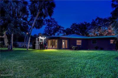 Vero Beach Single Family Home For Sale: 611 E Causeway Boulevard