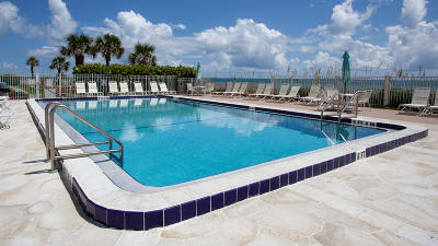 Indian Harbour Beach Condo For Sale: 2055 Highway A1a #402
