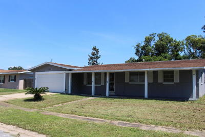 Titusville Single Family Home For Sale: 2908 Jasmine Street