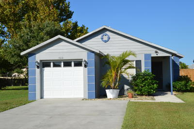 Melbourne Single Family Home For Sale: 4018 Dewberry Circle