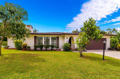 Palm Bay Single Family Home For Sale: 1398 NE Meadowbrook Road NE
