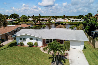 Cocoa Beach FL Single Family Home For Sale: $549,900