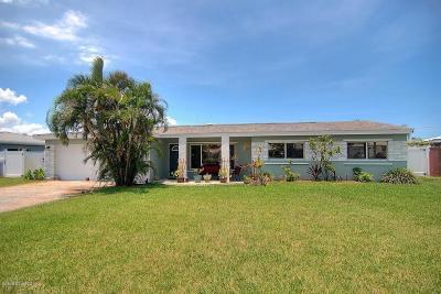 Satellite Beach Single Family Home For Sale: 260 Glenwood Avenue