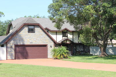 Titusville Single Family Home For Sale: 2655 Armadillo Trail