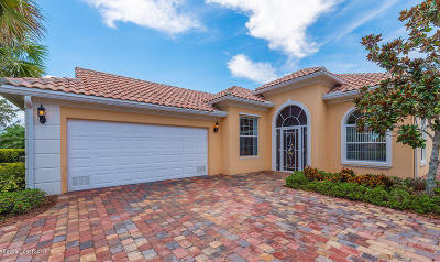 Palm Bay Single Family Home For Sale: 3550 Jute Lane SE