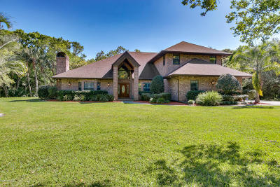 Melbourne Single Family Home For Sale: 3905 Hidden Oaks Lane